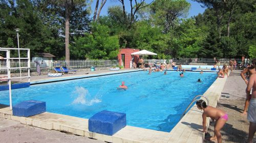 Piscine di farfa minisito su go sabina piscine di - Corsie per piscine ...