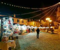 """Locandina: Greccio diventa il """"Borgo del Natale"""" con Mercatini e Presepe"""