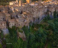 Locandina: Il Borgo Racconta