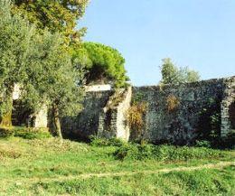 """Locandina: Trekking culturale alle ville romane  """"Bagni di Lucilla"""" e"""" Casoni"""""""