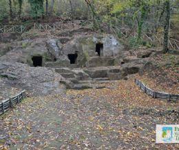 Locandina: Necropoli del Cavone di Monte Li Santi