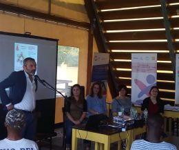 Locandina: Porte Aperte a Giulianello per la Giornata Mondiale del Rifugiato