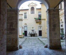 Locandina: Palazzo Vecchiarelli