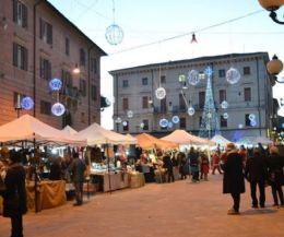 """Locandina: Mercatini di Natale: il 22 e 23 dicembre arriva il """"Christmas food festival"""""""