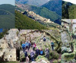Locandina: U' Revotano, laggiù nel suo verde sprofondo e l'eremo rupestre di S. Leonardo