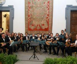 Locandina: Orchestra mandolinistica romana in concerto con 'Tra Oriente e Occidente'