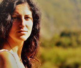 Locandina: Un mese di laboratori e spettacoli teatrali con le Residenze Artistiche della Bassa Sabina