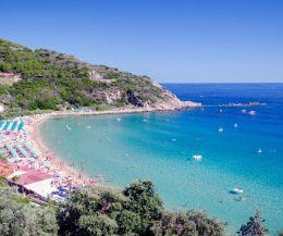 Locandina: Isola d'Elba apripista del turismo in Toscana
