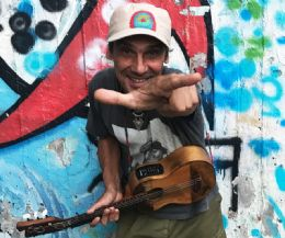 Locandina: El Chapulìn Solo. Manu Chao Acustico