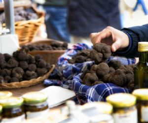 Locandina: NeroNorcia 2017 - Mostra Mercato del Tartufo