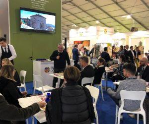 Locandina: Olivicoltore e Assaggiatore olio di oliva vergine ed extravergine